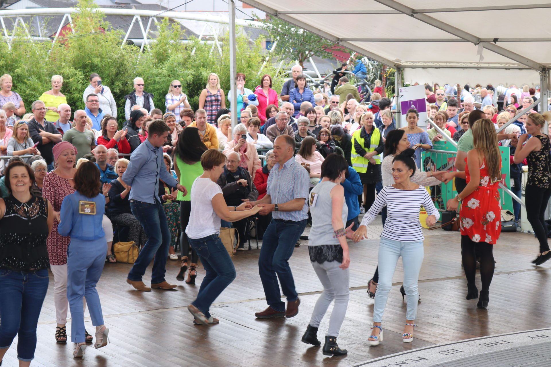 Large Crowd Attends Jive Live Event Fermanagh Amp Omagh